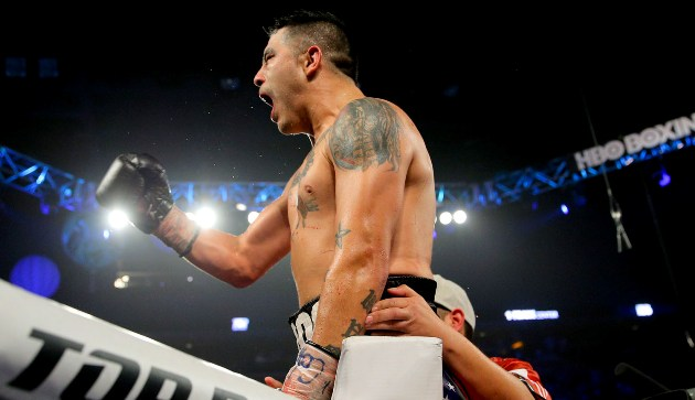 brandon-rios-vs-mike-alvarado-iii