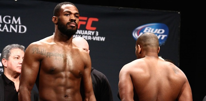 Jon-Jones-vs-Daniel-Cormier-w_1679-750